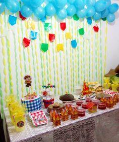 Hoje tem arraiá siow! Haha festa junina da dona Dudu. Tudo simples e lindo feito com muito amor e carinho 😍😍👏 #decoracaojunina #festajunina #arraiá #decoracaodefestas #decoracao #personalizados #lembrancinhas #saojoao