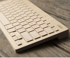 Solid+Wood+Keyboards+|+DudeIWantThat.com