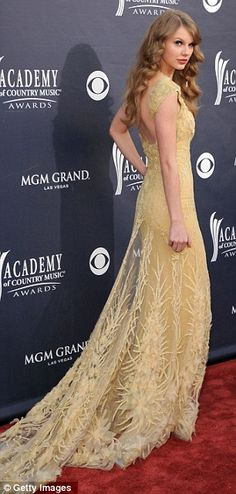 gorgeous yellow taylor swift dress