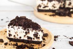 No Bake Oreo Cheesecake Recipe Cheesecake Oreo Sin Horno, Praline Cheesecake Recipe, Cappuccino Cheesecake Recipe, Cheesecake Calories, Mint Chocolate Cheesecake, Turtle Cheesecake Recipes, Cookies And Cream Cheesecake, Biscuit Oreo, Baking Recipes