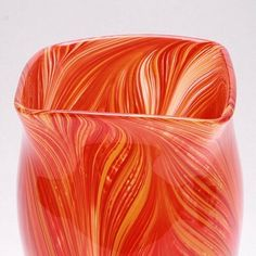 Happy Technique Tuesday y'all! Today on Gather we are learning all about feathering glass! The end result is incredibly beautiful, check it out! Link in bio• • • #technique#tuesday#feathering#artglass#glassblowing#uniquegifts#beautiful#decor#art#artblog#glassblog#instablogger#instablog#blog#design#interiordesign#color#texture#visual#artoftheday#sowal#southwalton#30a#seasidefl#vase#vessel#techniquetuesday