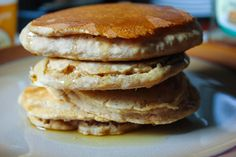 Healthy Vita: Easy Whole Wheat Pancakes Used regular milk had to ad a little more then asked Veg Recipes, Healthy Recipes, Clean Eating, Healthy Eating, Healthy Food, Whole Wheat Pancakes, Breakfast Recipes, Breakfast Ideas, Recipe Of The Day