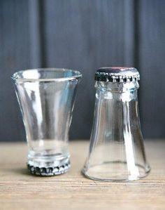 最近、海外では「アップサイクル」という言葉が流行っています。リサイクルよりもグレードアップしちゃうから、アップサイクル。空き瓶を花瓶にするのは、すでに常識レベルのDIYに慣れてしまったアナタもDIY初心者さんでも大丈夫な空き瓶を使ったグラスを作ってみましょう。オススメは海外のビール瓶の上の部分です。本体部分も使えるから、今回の応用編です。