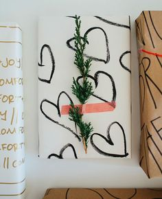 Stylish and Affordable Gift Wrapping Ideas #theeverygirl #giftwrap #holidays #diy