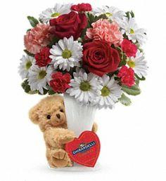 'Hug a Bear' Bouquet for Valentine's Day starts at $35 ❤️❤️❤️ heritageflowershop.com T14V400A
