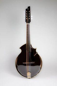 6A Mandolin model by luthier Allan Beardsell of Beardsell Guitars, Winnipeg, Manitoba province in Canada.