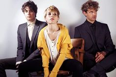 Chew lips | British electropop and dance-pop band