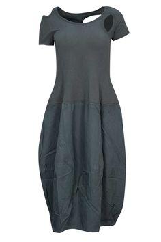 rh170266-black_label_dress-shark-front.jpg 1.000×1.500 pixel