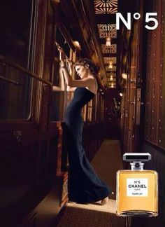 Chanel No.5 EDP 50 ml.,100 ml. ❤️ราคาพิเศษ 3490,5390 บาท❤️ ฟรีค่าส่ง EMS เป็นน้ำหอมขายดีของChanel ด้วยกลิ่นหอมนุ่มละเอียด หรูหรา และคลาสสิกโดยได้รับความนิยมทั่วโลก ด้วยกลิ่นหอมอ่อนโยนของดอกไม้นานาชนิดช่วยเพิ่มความมีเสน่ห์และความโรแมนติกของคุณได้อยู่ทุกวันแล้วคนที่ได้สัมผัสจะไม่มีวันหยุดหลงใหล ติดต่อสอบถามทาง Inbox Line ID : AdamEva.parfum Tel : 094-846-9415 #perfume #no5 #chanel #chanelno5 #น้ำหอม #น้ำหอมchanelno5 #น้ำหอมchanel