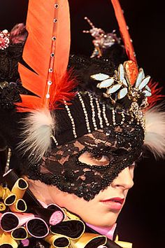 Christian Lacroix Fall 2001 Couture