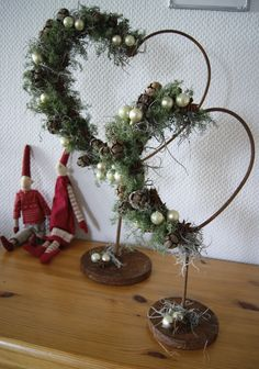 Dekoration Weihnachten - H(e)aven: Juledekorationer hos søster Rustic Christmas, Christmas Art, All Things Christmas, Winter Christmas, Christmas Wreaths, Christmas Ornaments, Valentine Decorations, Xmas Decorations, Diy And Crafts