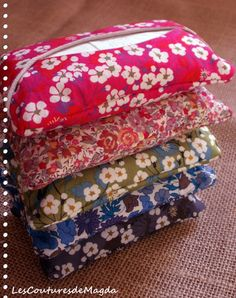 Étuis mouchoirs, faire aussi les petits mouchoirs en tissu