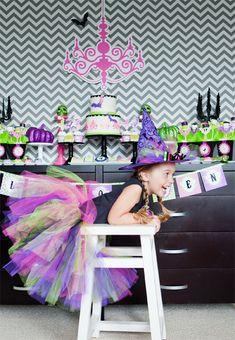 Glam-o-ween Halloween party by @Anders Ruff Custom Designs  #thepartydressmagazine