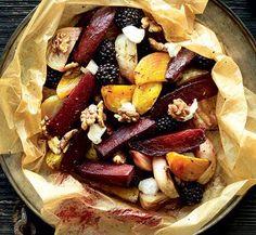 Nyd de bagte rødbeder som en selvstændig ret med brød eller som tilbehør til vildt, fjerkræ eller fisk.