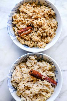 Instant pot oatmeal recipe for steel cut oats and rolled oats foodiecrush. Dog Treat Recipes, Oatmeal Recipes, Dog Food Recipes, Oatmeal Toppings, Easy Delicious Recipes, Yummy Food, Instant Pot Oatmeal Recipe, Make Ahead Oatmeal, Healthy Snacks