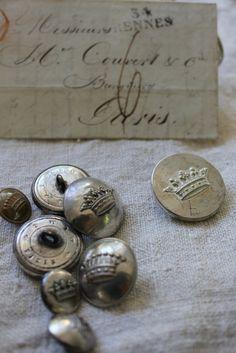 French buttons, loving the crown for vintage look embellies, maybe stamp with stazon on air dry clay. Shabby Vintage, Vintage Love, French Vintage, Vintage Sewing, Shabby Chic, Vintage Metal, Vintage Silver, Vintage Style, Vintage Heart