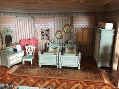 """""""Well the new dollhouse doesn't look that bad. if you just customize it a little 🙊 Victorian, Twitter, Playmobil"""