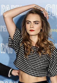 """Cara Delevingne attends the """"Paper Towns"""" (Ciudades de Papel) photocall at the Villamagna Hotel on June 2015 in Madrid, Spain. Cara Delevingne Paper Towns, Pretty People, Beautiful People, Outfit Combinations, Celebs, Celebrities, Woman Crush, Mannequin, Celebrity Crush"""