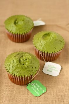 Hummingbird High - A Desserts and Baking Food Blog in Portland, Oregon: Hummingbird Bakery Green Tea Cupcakes Recipe (Adap...
