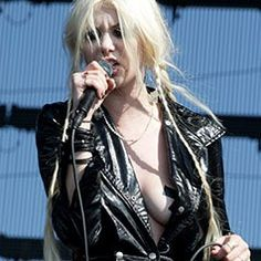 Taylor Momsen ✾ of The Pretty Reckless Taylor Momsen, Missouri, Heavy Metal Fashion, Leo Star, Rocker Chick, Rihanna Fenty, Trendy Outfits, Beautiful People, Celebrity Style