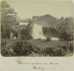 """""""Waterval in een tak van de Brantas, Malang"""" ca.1880  (c) Voor meer informatie: Museum Volkenkunde"""