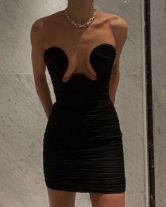 Look Fashion, Runway Fashion, High Fashion, Fashion Outfits, Womens Fashion, Fashion Design, Luxury Fashion, Looks Style, Bella Hadid
