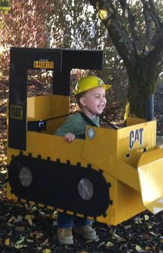 Luca as a tractor for Halloween. I love my boy ⚠️