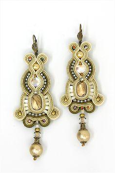earrings : New York