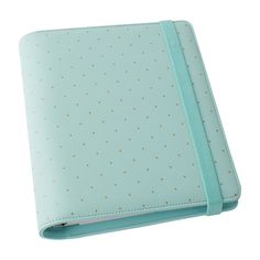 Breeze from meetings to appointments to social events in style with this gorgeous Time Planner. In fresh new mint with gold foil detail, it's the perfect mix of function and form.
