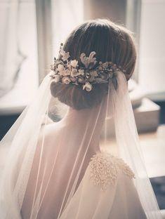 Bride veil hair wedding