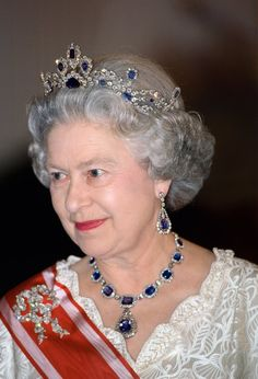 Q Elizabeth (1963) Modern Sapphire Tiara made to match jewelry given to her by her father as a wedding present.