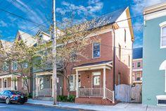 Margaret McEvoy von Real Estate Teams, LLC hat gerade 30 E Street Frederick, . Real Estate, Plan Front, Front Gates, Bright Kitchens, Parking Space, Deck With Pergola, Half Baths, Open Floor
