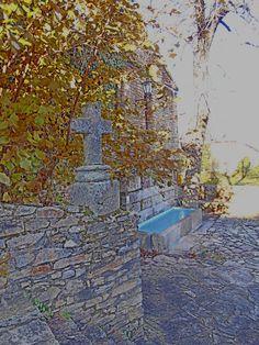Cruz junto a la Fuente Canal.