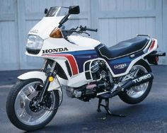 A 650 Honda turbo just shut down a tricked out GSXR, shut it down ! Awesome !!!