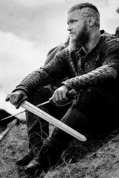 "vikings-shieldmaiden:  Ragnar   Vikings 3.01 ""Mercenary""   ©"