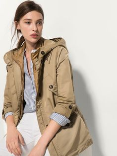 BEIGE PARKA WITH DETACHABLE FRONT