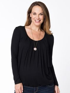 A great design, dual for maternity and breastfeeding. Classic black is flattering on every figure. Wear this style with dark jeans for a complete 'blackout' or add colouful accessories Winter Maternity Outfits, Maternity Tops, Breastfeeding Tops, Dark Jeans, Long Tops, Pregnancy, Bubbles, Stylish, Classic