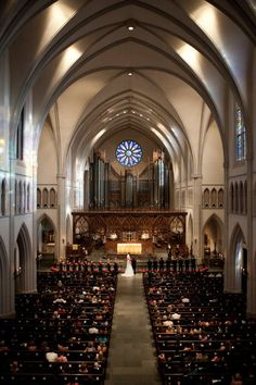 beautiful wedding ceremony held at st martins episcopal church in houston