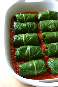 Are you a collard green skeptic? I was, until I discovered Italian Stuffed Collard Greens - the amazing way to transform them into a delicious Italian meal! Collard Greens Recipe Healthy, Crockpot Collard Greens, Veggie Recipes, Vegetarian Recipes, Healthy Recipes, Vegetarian Barbecue, Veggie Meals, Barbecue Recipes, Per Diem