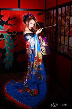 By Artist Unknown. Japanese Geisha, Japanese Beauty, Japanese Kimono, Asian Beauty, Asian Fashion, Fashion Art, Asian Woman, Asian Girl, Geisha Art