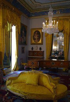 Osborne pudding (bread and butter pudding) - Osborne House Royal Palace, Isle Of Wight, British Monarchy, Palaces, Luxury Interior, Bungalow, Royals, Luxury Homes, Joseph