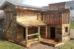 20 Awesome Ideas for Your Pallet House or Shelter (Diy Garden Pallet)