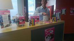 Linda van der Kwast heeft een snoepwinkeltje geopend op haar werk om geld op te halen voor de Regenboogboom. Kun je niet naar Zwolle komen, dan kun je haar hier ook steunen: http://heldenraceamsterdam2013stichtingderegenboogboom.alvarum.net/lindavanderkwast.