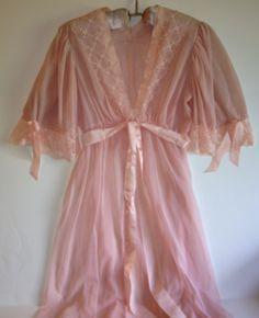 Oh So Lovely Vintage Peignoir. $27.00, via Etsy.