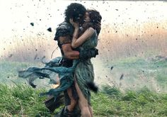 Pin for Later: The Best Movie Kisses of All Time Pompeii The movie may have been a disaster, but this kiss between Kit Harington and Emily Browning is pretty epic. Pompeii Movie, Kimberly Johnson, Movie Kisses, Emily Browning, Kiss Art, Fantasy Male, Character Inspiration, Character Ideas, Writing Inspiration