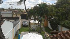 A Praia Hostel e Pousada está situada em Arraial d'Ajuda - Bahia - a 60 metros da famosa Rua Mucugê, a 700 metros da Praia Mucugê e a 1,5 Km da Praia da Pitanga. A pousada aceita animais de estimação e dispõe de estacionamento gratuito, piscina ao ar livre, bar, jardim, sala de leitura, churrasqueira, microondas, WiFi e um delicioso café da manhã.