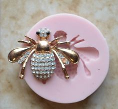 Bee Flexible Silicone Mold, Molds, Nautical, Beach, Ocean, Animal, Crafts, Jewelry, Scrapbooking, Soap, Resin, Polymer Clay  Item size 1-3/8 Tall x 1-7/8 Wide X 3/8 Thick Mold size 2-3/8 Diameter x 1/2 Thick  We offer all of our molds in food grade and non food grade silicone. You can use the food grade silicone mold for chocolate, fondant, sugar, candy, butter or any other edible below 395 degrees Fahrenheit. Non Food Grade Silicone rubber is an excellent product fo...