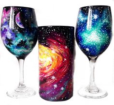 Hand painted galaxy wine glasses Hand painted galaxy beer mug Moon and… Wine Glass Crafts, Wine Bottle Crafts, Bottle Art, Pottery Painting Designs, Hand Painted Wine Glasses, Wine Decor, Paint And Sip, Foto Art, Ceramic Painting