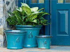 Pot to Patio: Choosing a Planter for a Container Garden Outdoor Planters, Garden Planters, Planter Pots, Planter Ideas, Outdoor Fun, Outdoor Ideas, Annual Flowers For Shade, Shade Flowers, Garden Types