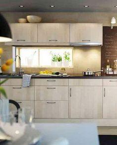 kleine küchen einrichten offene wandregale weiße wandfliesen ...